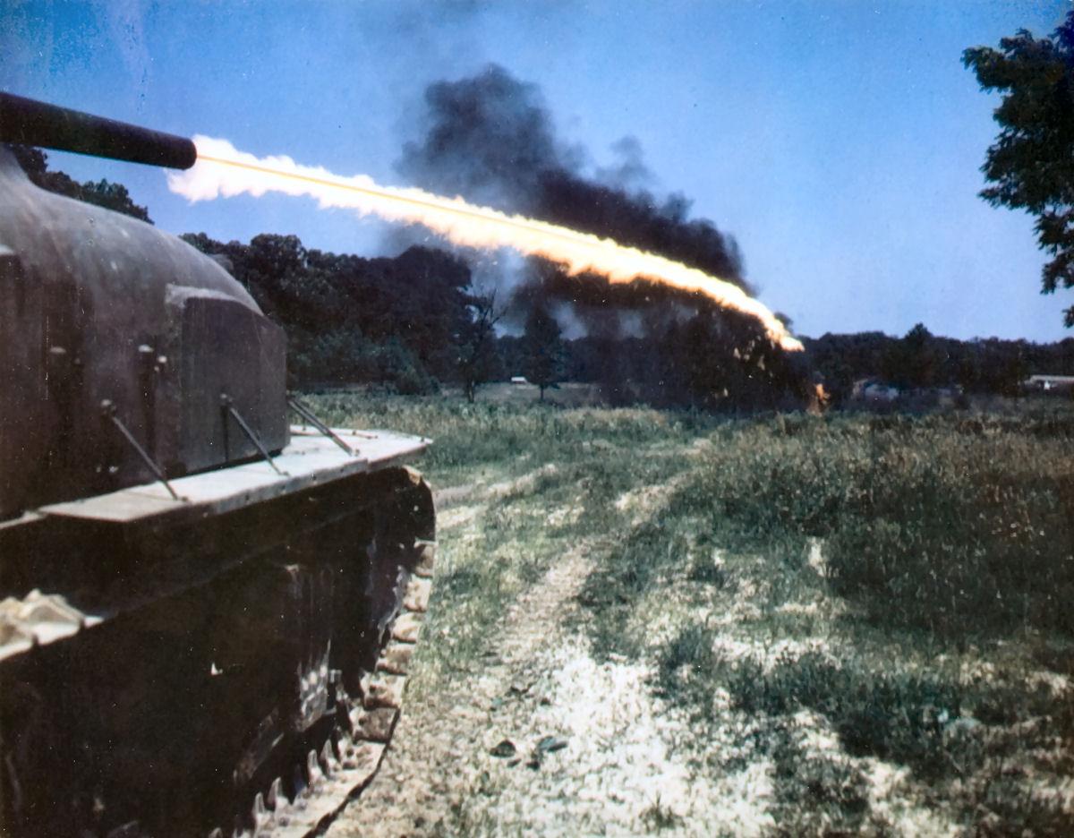 картинки огнеметных танков друкер американский учёный